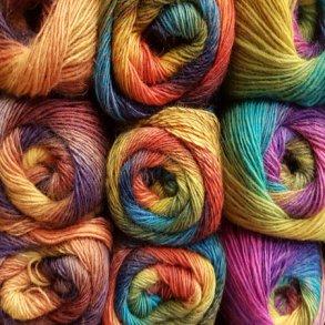 Multifarvet garn – sætter kulør på strikketøjet!